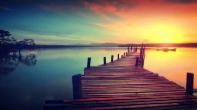 wooden-jetty-at-sunset--dreamy-looks